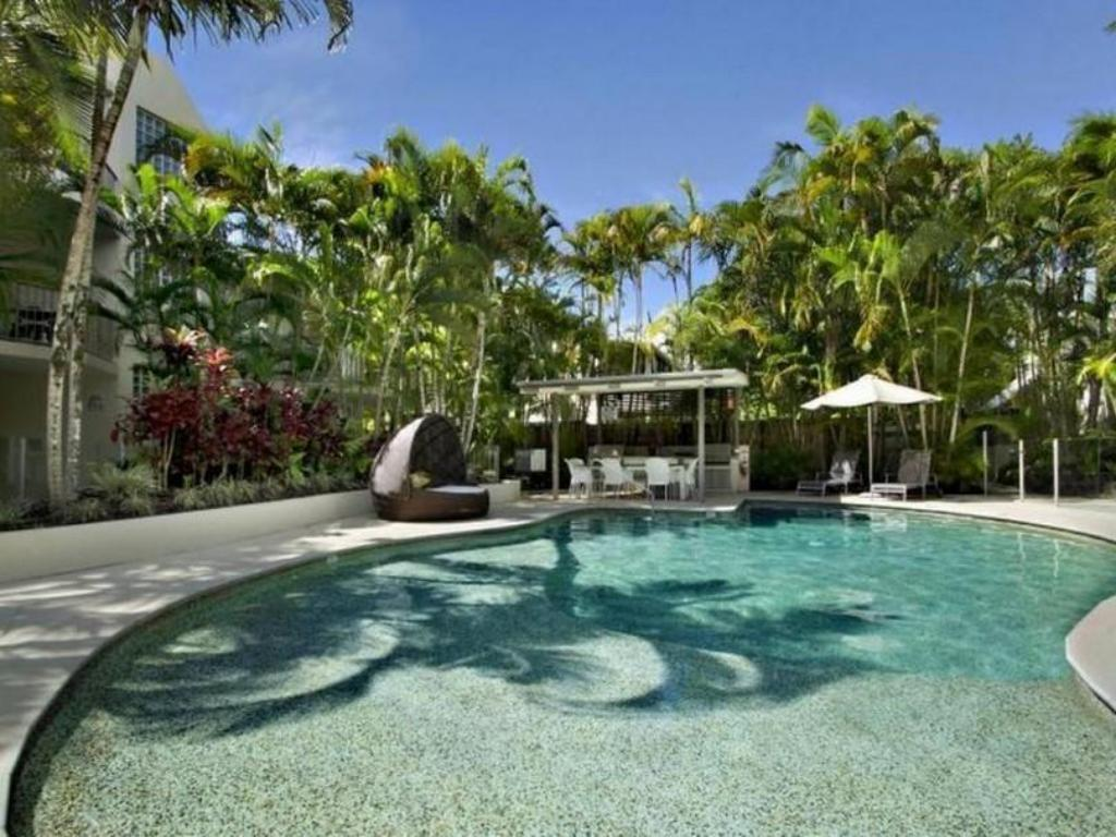 More about Noosa Tropicana Resort