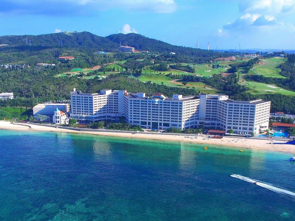 谷茶灣Rizzan海洋公園飯店Rizzan Sea-Park Hotel Tancha Bay