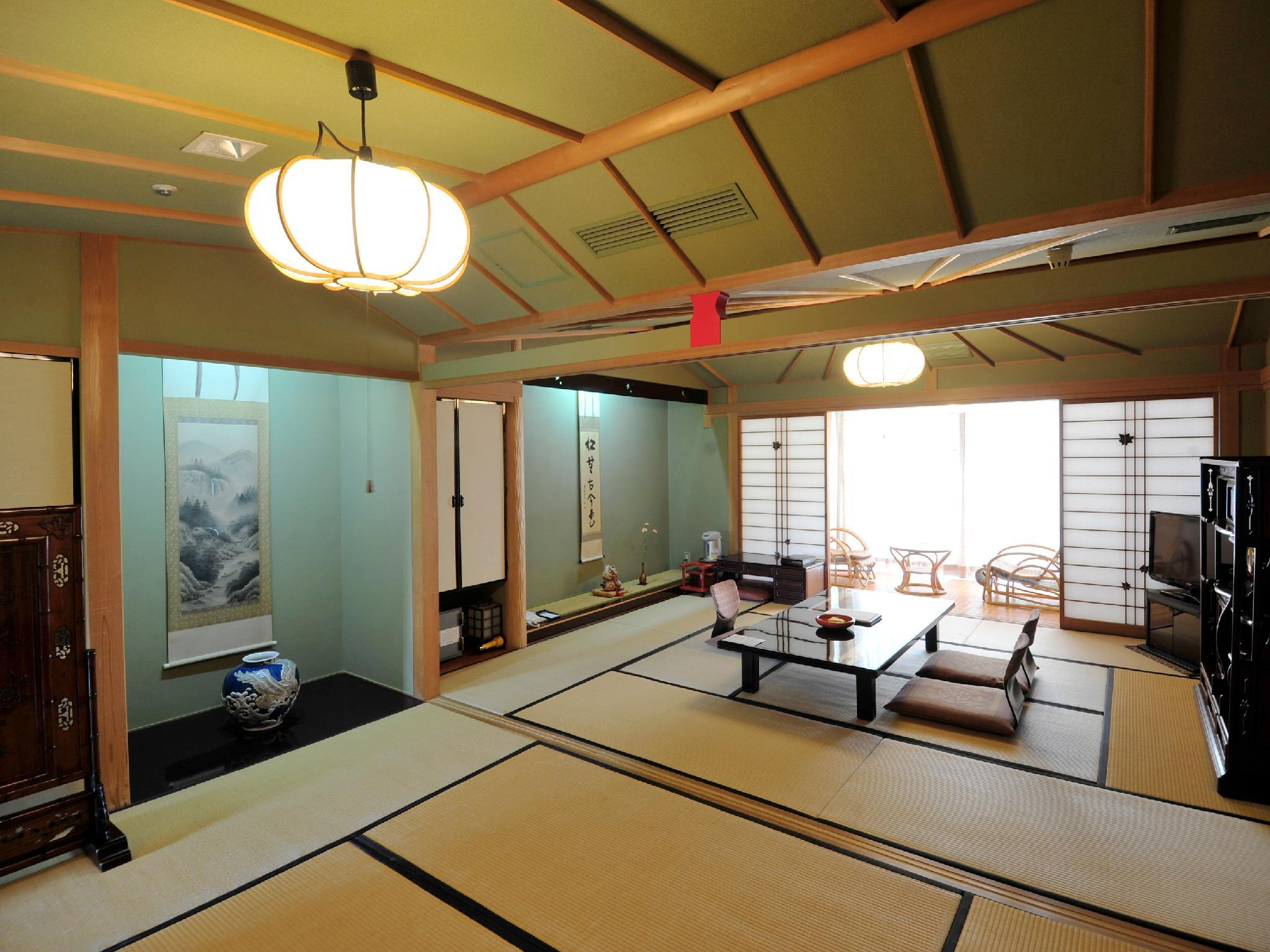 Deluxe Japanese Style Room for 6 People
