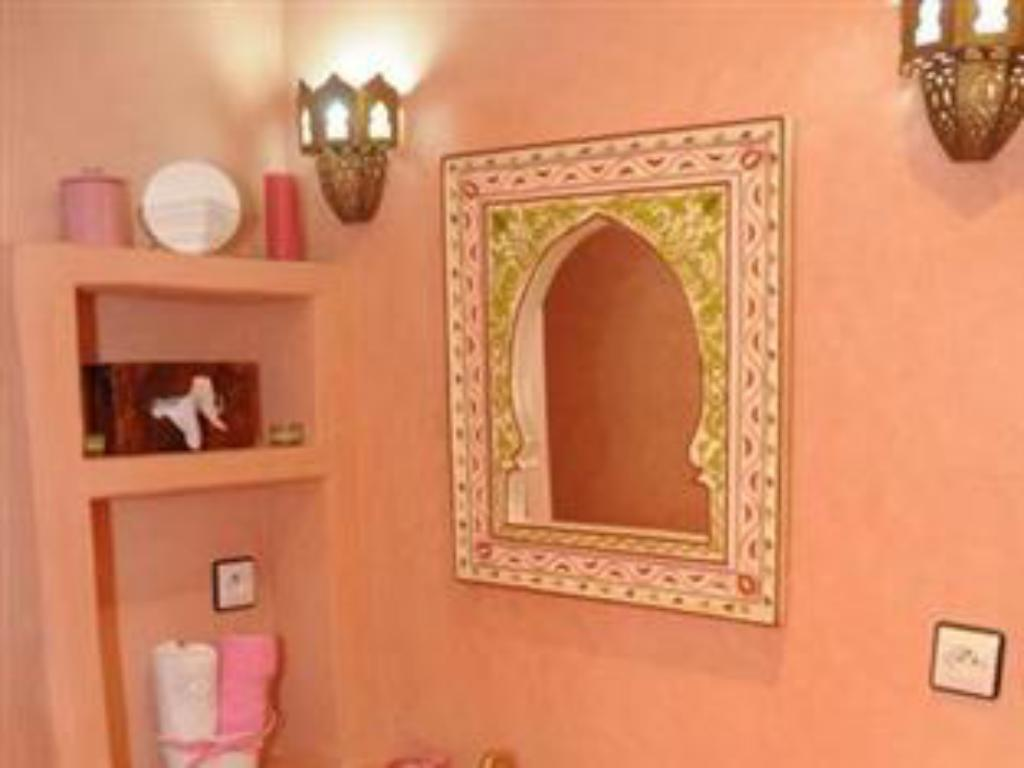 Bathroom Riad Aquarelle