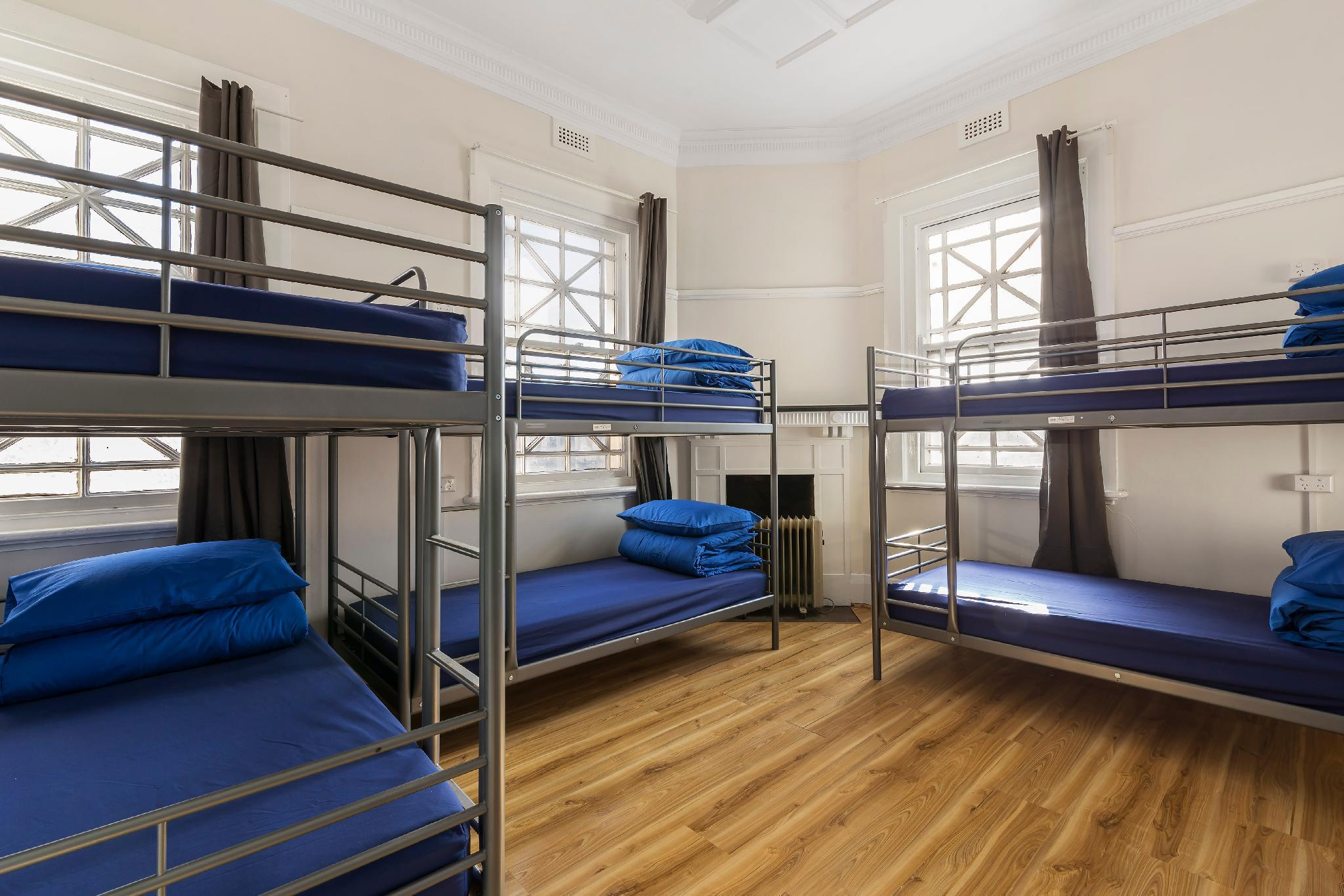 1 Person in 12-Bed Dormitory with Shared Bathroom - Mixed