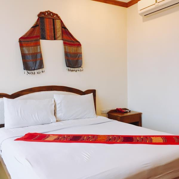Deluxe giường đôi (Deluxe Double Bed)