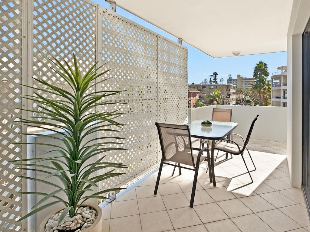 Balcony/terrace Manly Surfside Holiday Apartments