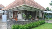 De Riau Cottage by HouseinBandung
