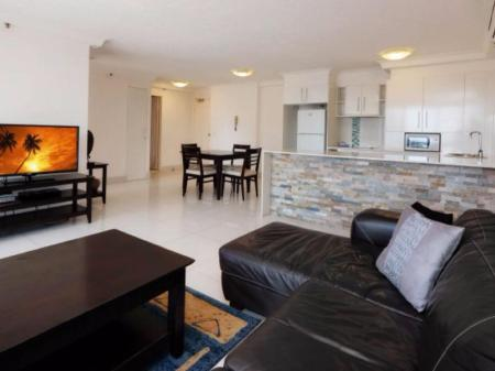 Interior View Surfers Century Oceanside Hotel