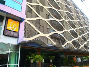 Curve Boutique Hotel