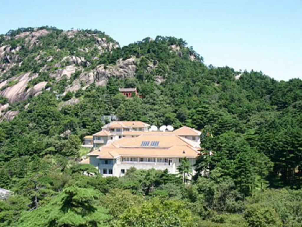 More about Huangshan Shilin Hotel