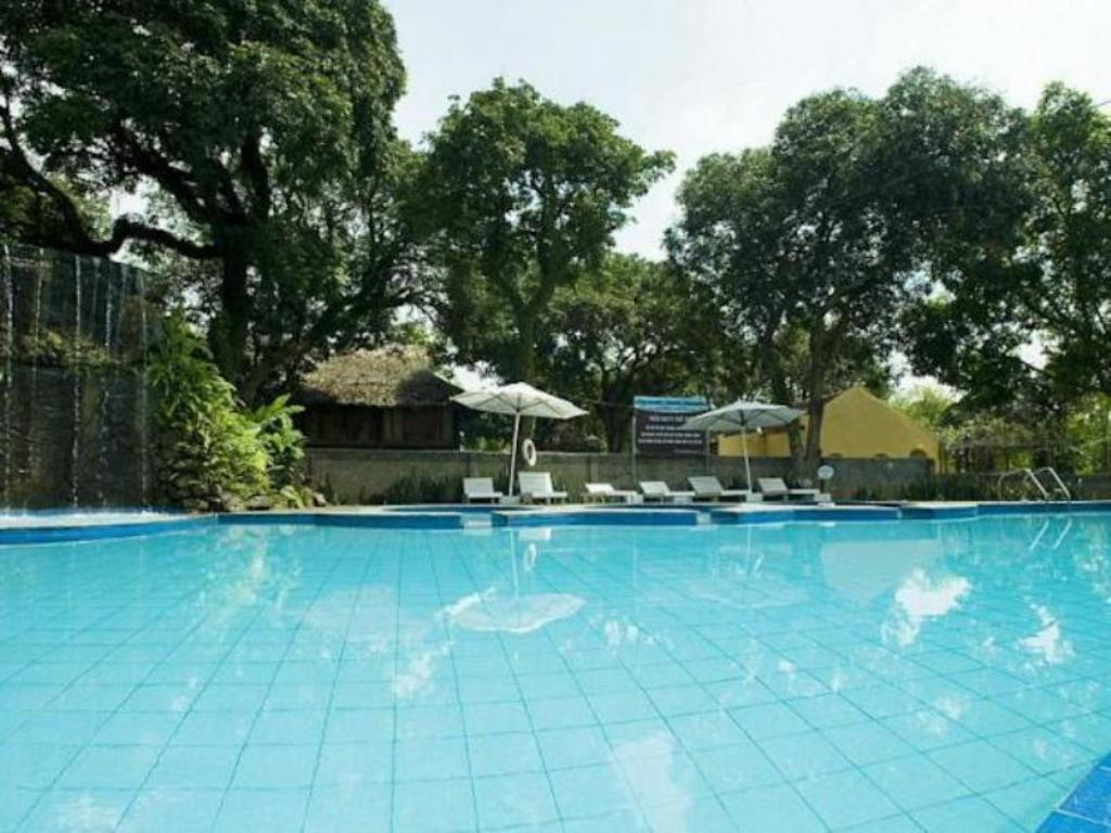 Swimming pool Tan Da Spa Resort