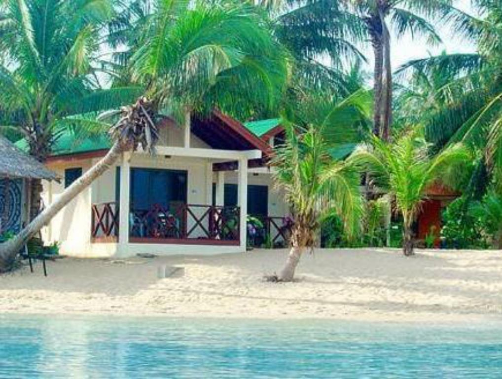 Schwimmbad Moonhut Bungalows