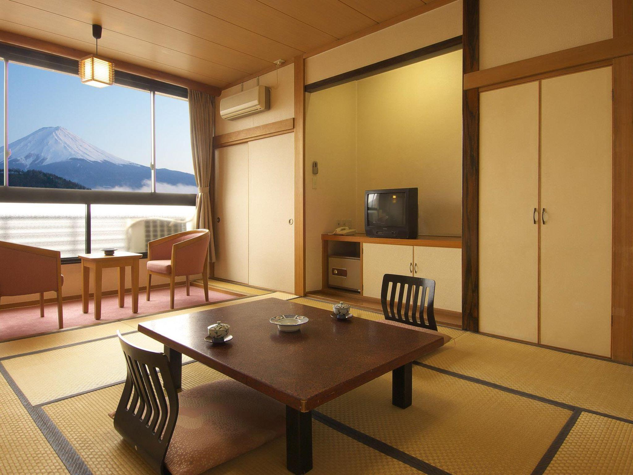 Mount Fuji View Japanese Style Room