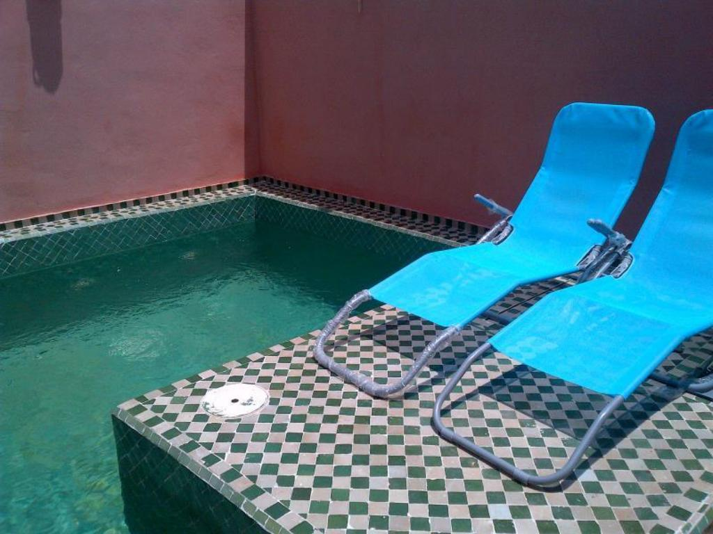 Swimming pool Riad Lila