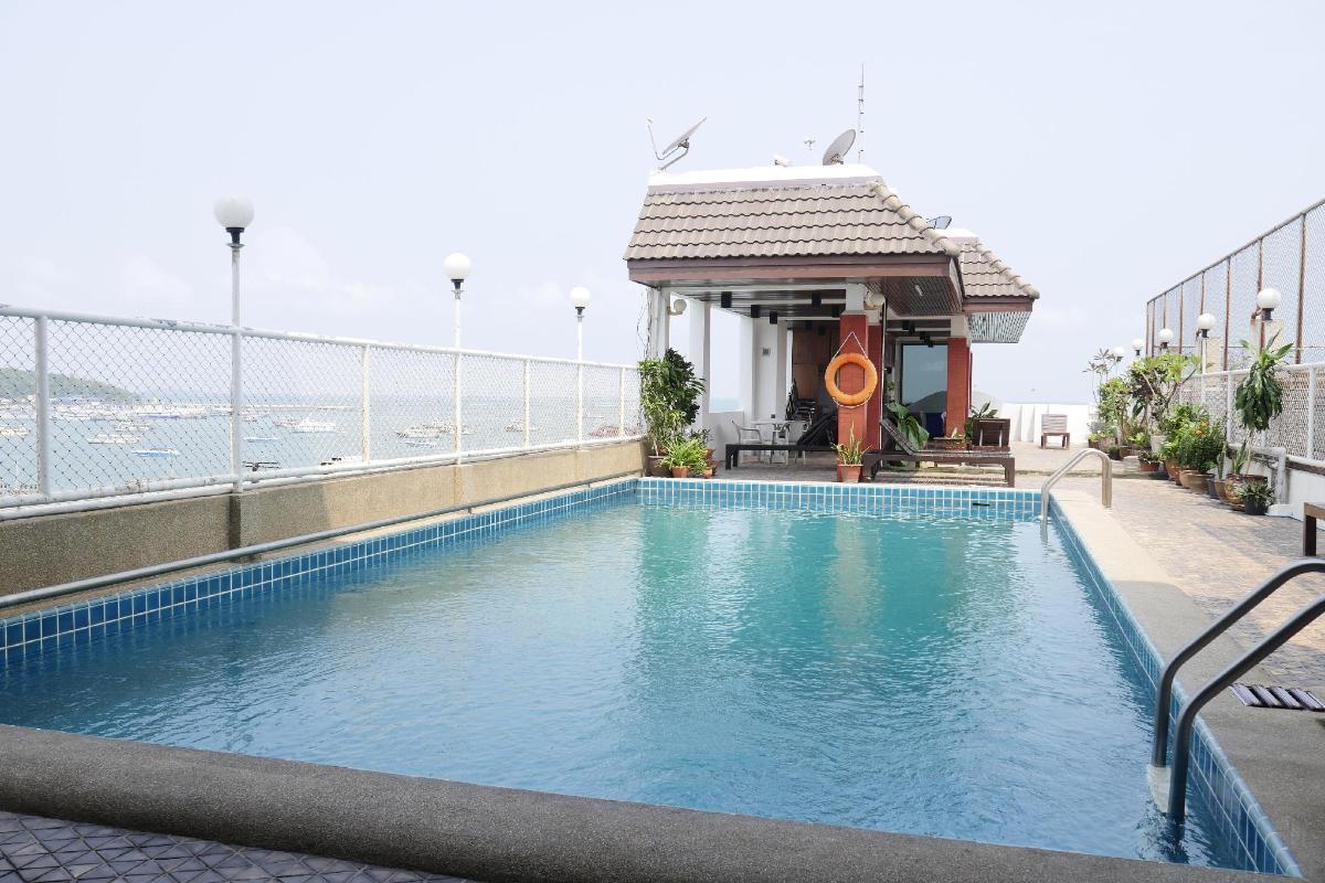 nike store central pattaya beach chonburi