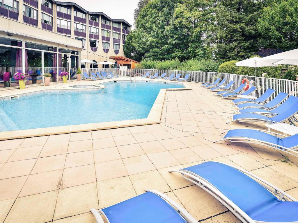 Swimming pool Hotel Mercure Beaune Centre