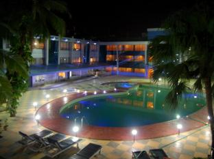 Silver Sands Beach Resort