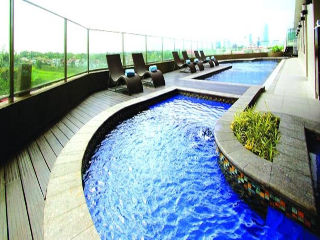 Acacia Hotel Manila In Philippines Room Deals Photos Reviews