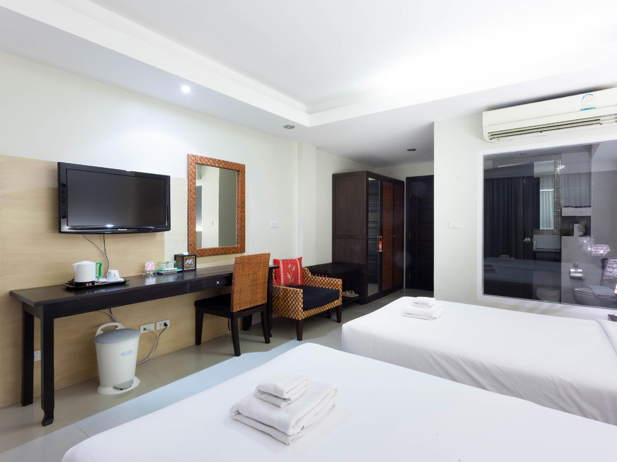 Best Price on The Banana Leaf Hotel in Phuket Reviews