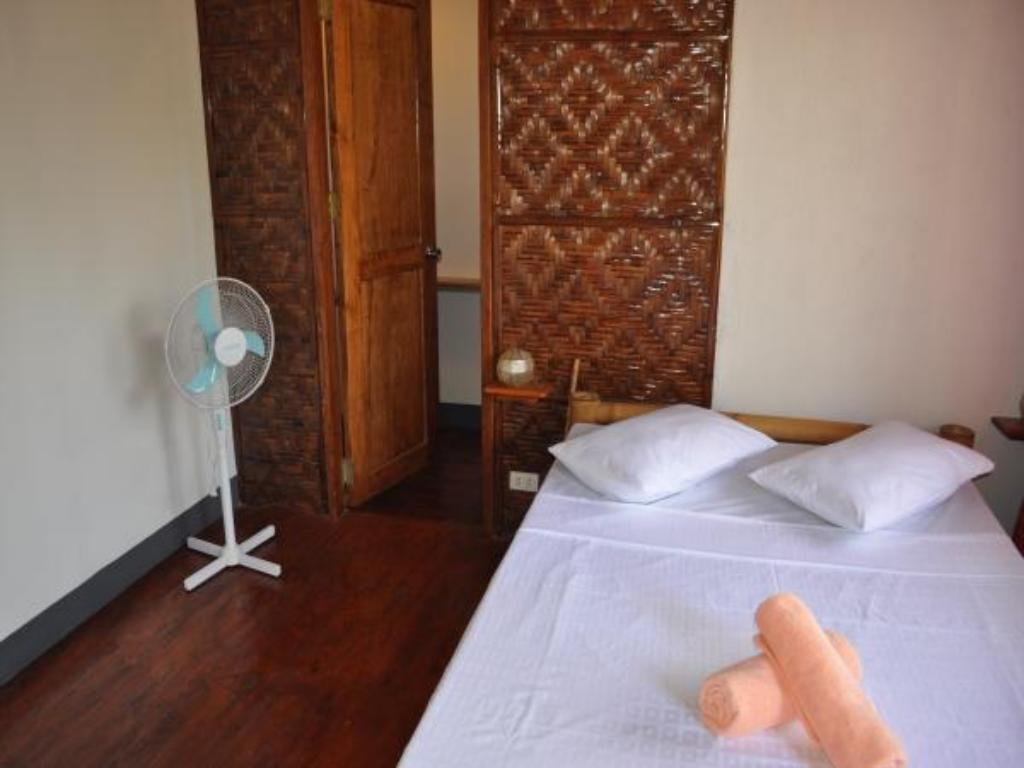 Deluxe Fan - Guestroom Chill-out Guesthouse Panglao