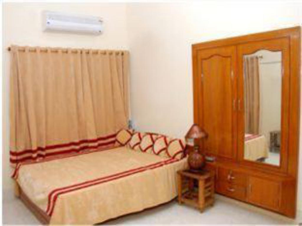 Deluxe  Shiva Guest House