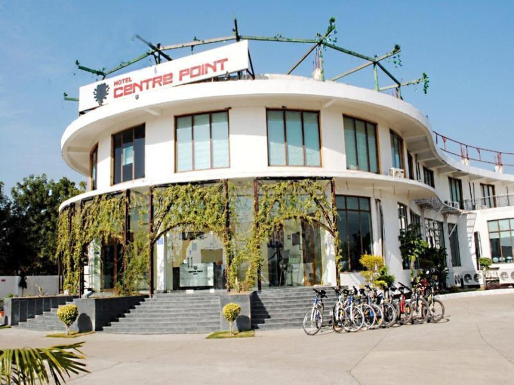 Hotel Centre Point Resort Spa Neemrana Alwar India Photos