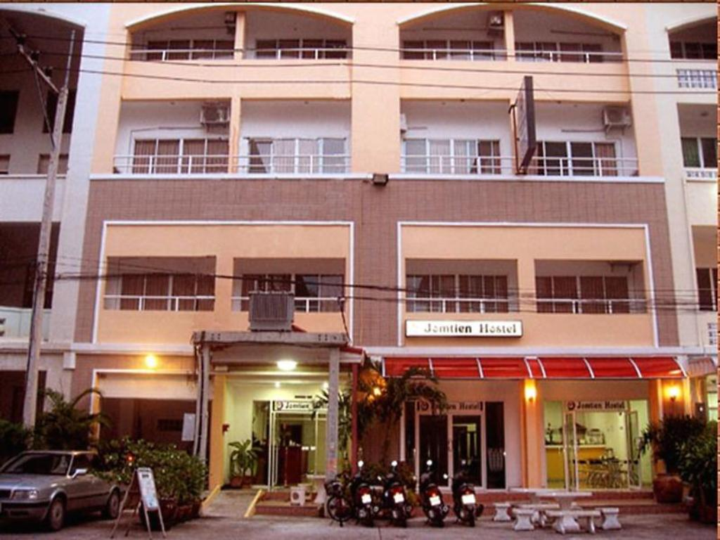 More about Jomtien Hostel