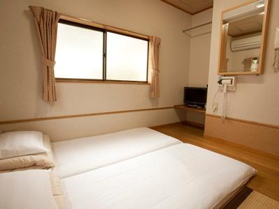 日式客房 - 有衛浴 (Japanese Style With Bathroom)