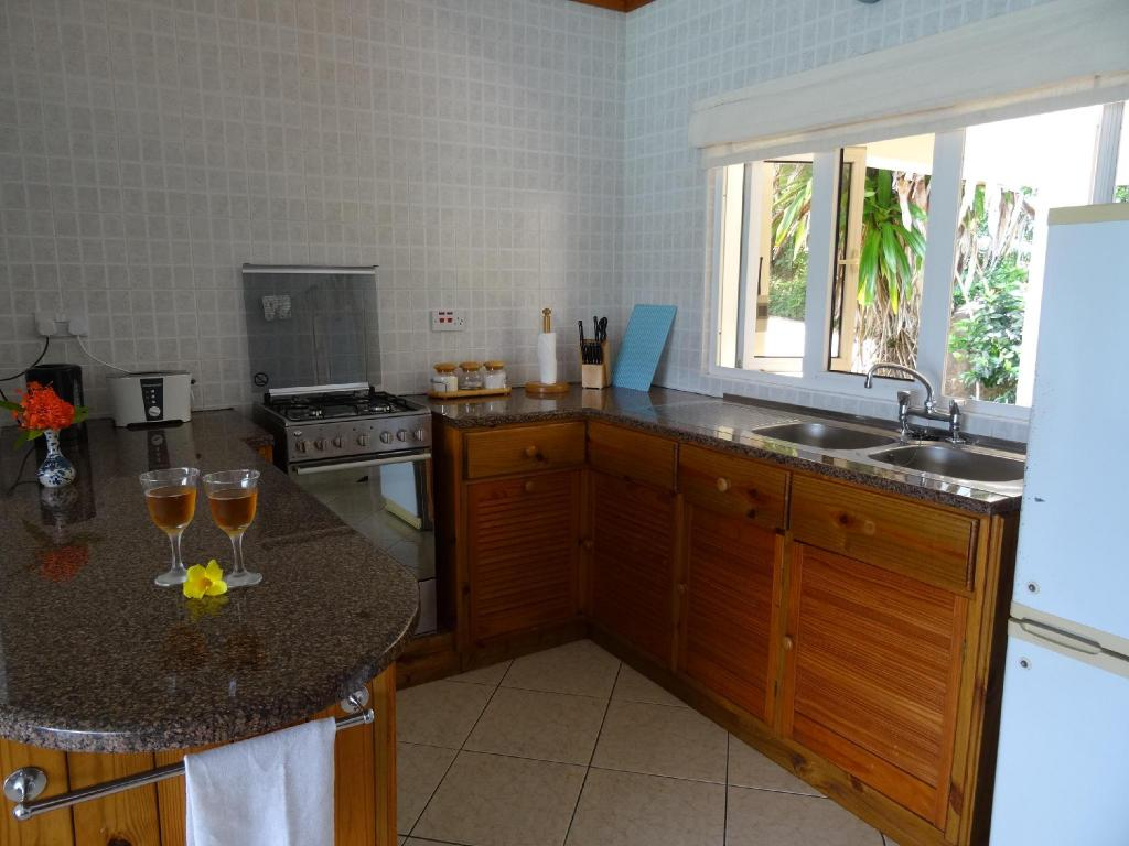 Kitchen Sailfish Beach Villas