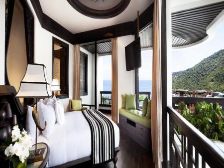 1 King Classic Terrace Suite Ocean View InterContinental Danang Sun Peninsula Resort