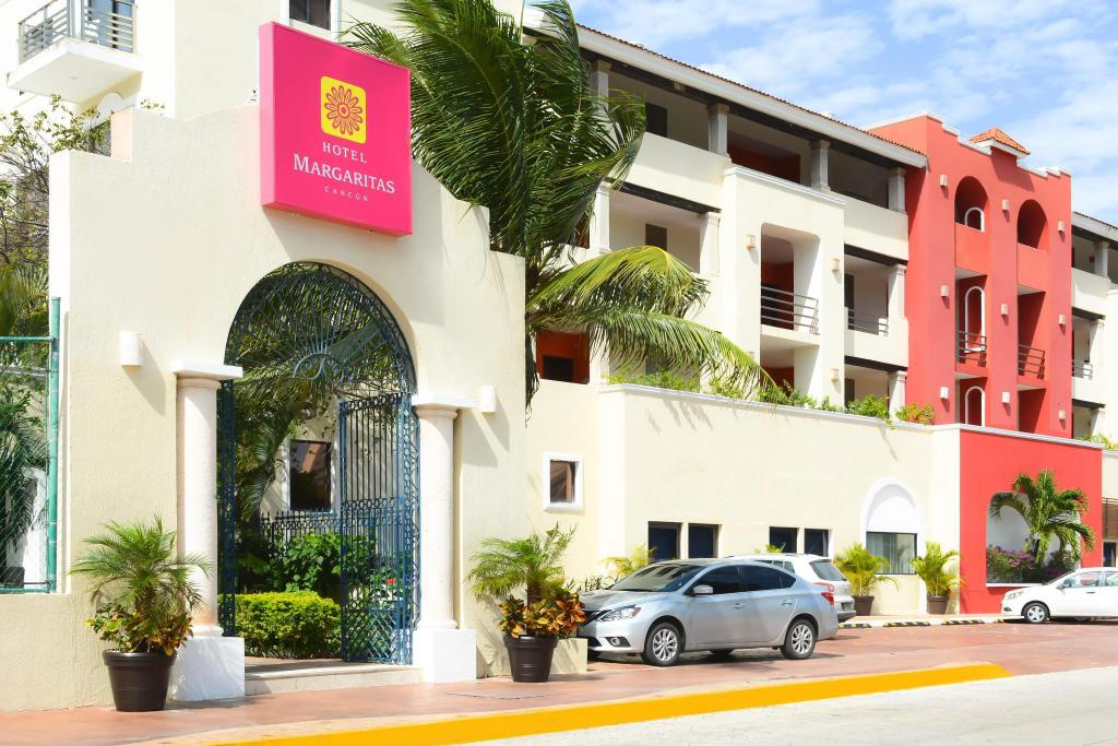 More about Hotel Margaritas Cancun
