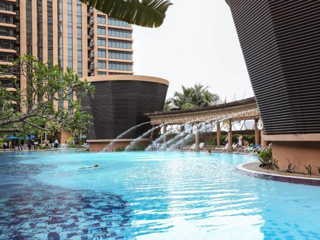 Best price on home vacation times square in kuala lumpur - Summer house with swimming pool review ...