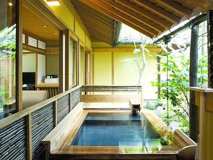 デラックス 和室 露天風呂付 (Deluxe Japanese-Style Room with Open Air Bath)
