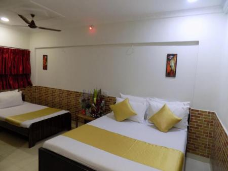 Family Room Hotel Sharmin Residency