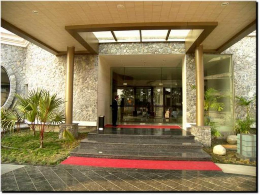 Hotel Royal Sarovar Portico Siliguri Best Price On Barsana Hotel Resort In Siliguri Reviews