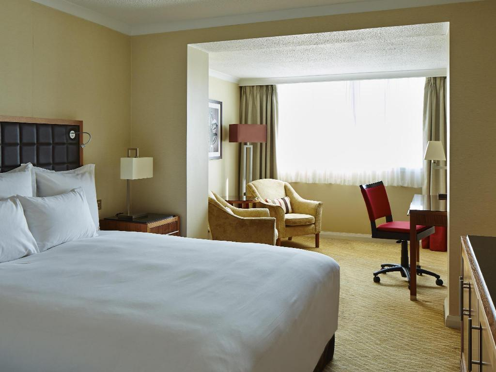 Larger Deluxe Room, Larger Guest room, 1 Double - Bed Edinburgh Marriott Hotel