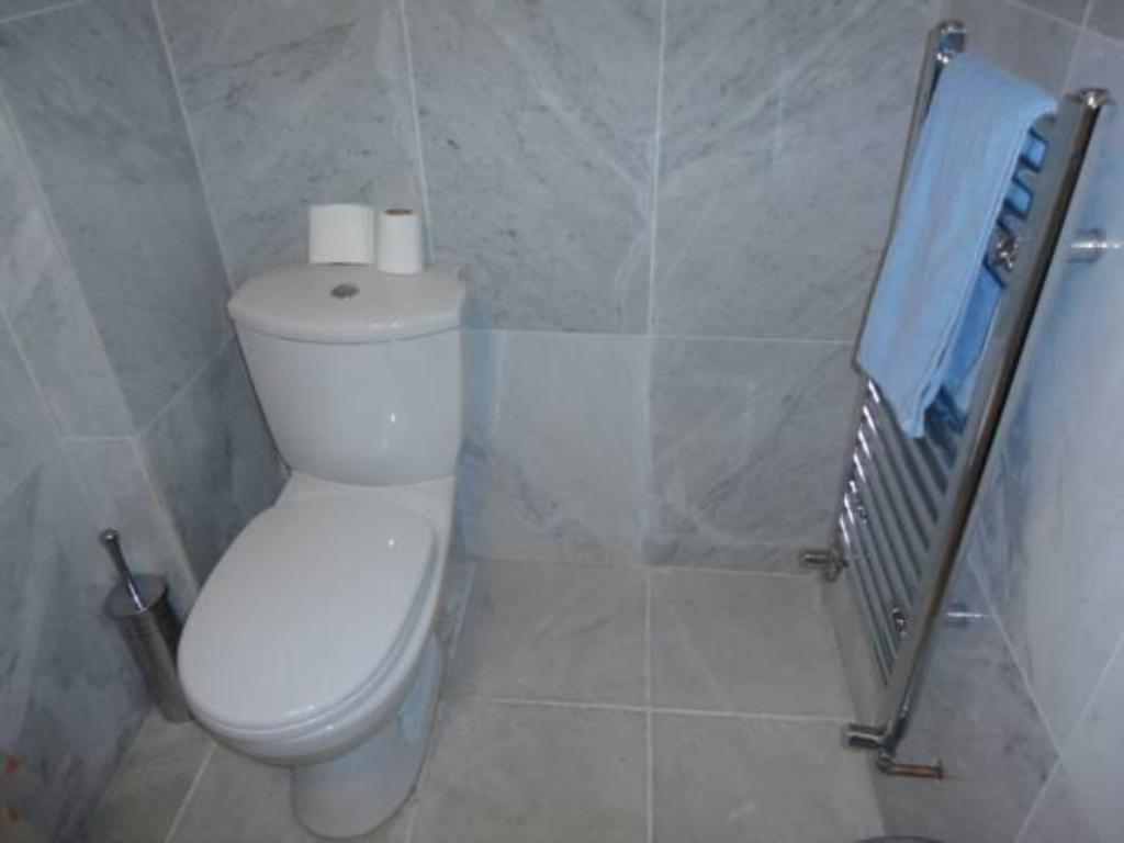 Bathroom London Finsbury Park Apartments