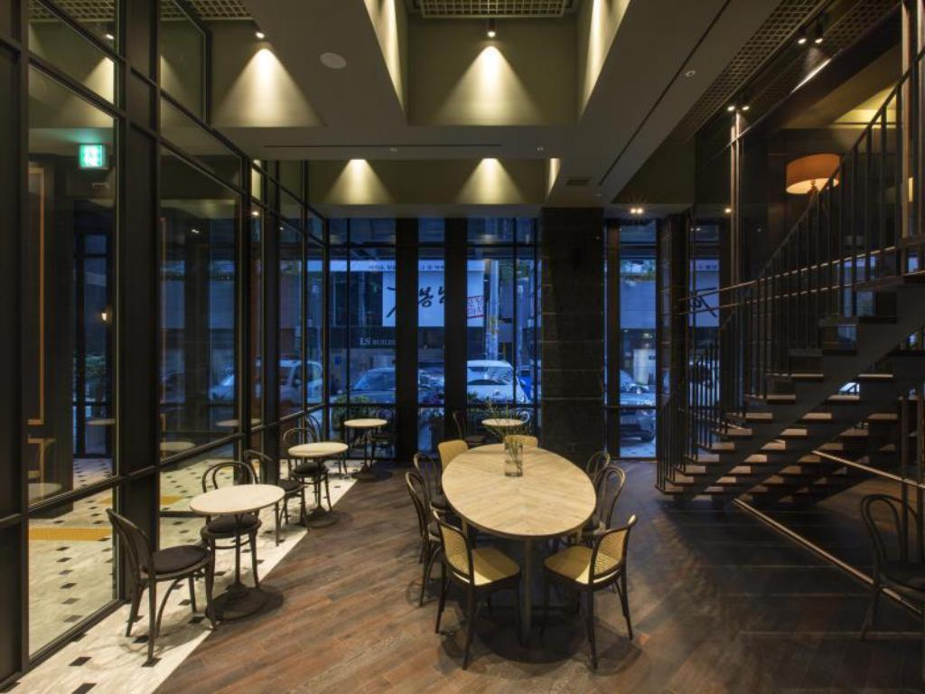 More about Hotel Gangnam Star