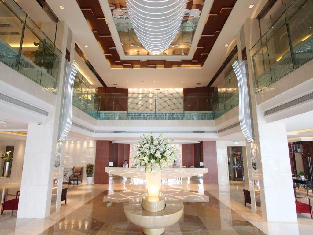 Huachen Kenzo Hotel Hangzhou in China - Room Deals, Photos