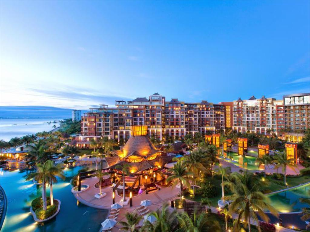 More about Villa Del Palmar Cancun