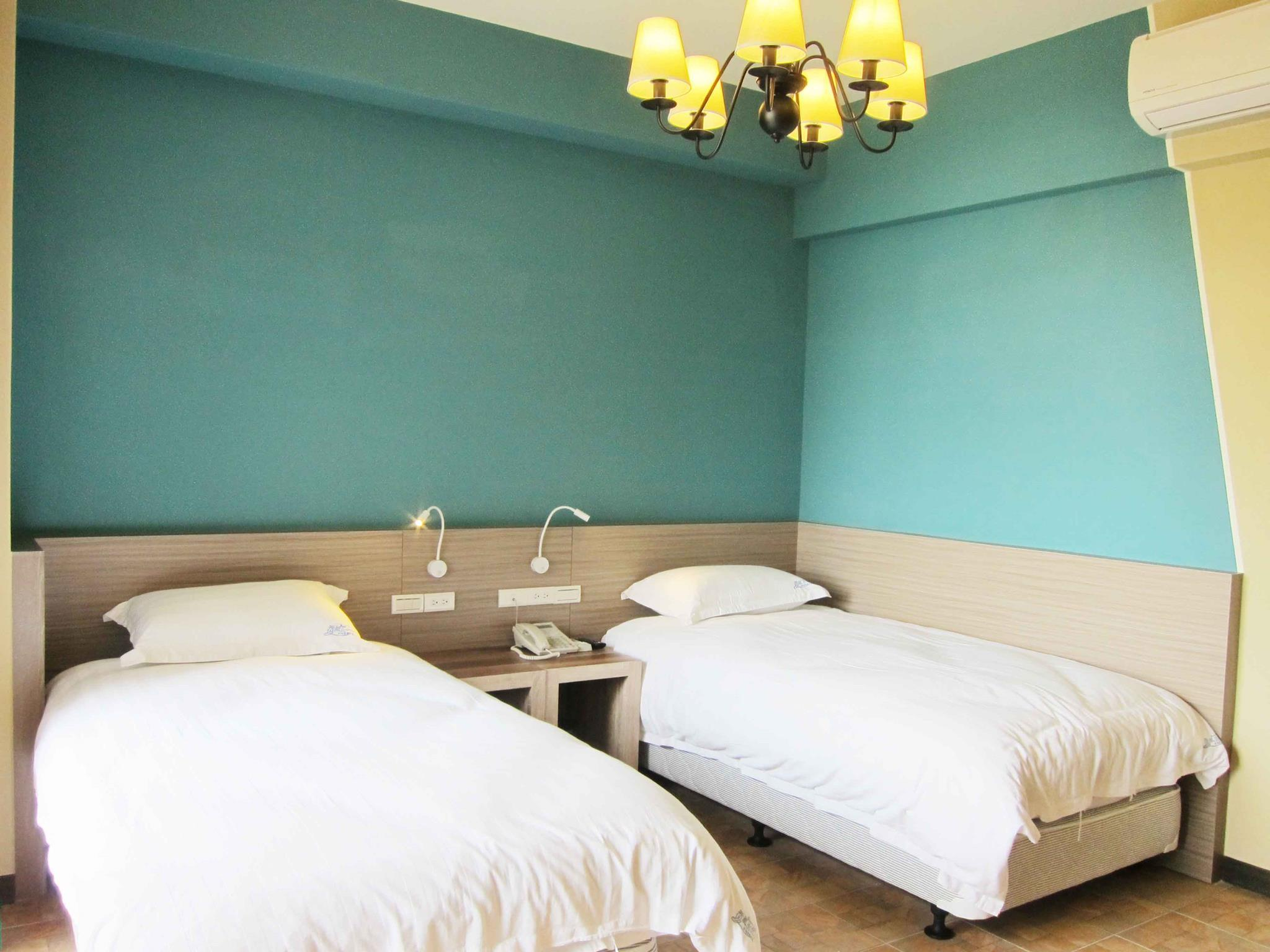 2 llits individuals amb vista al mar (Sea View Twin Bed)