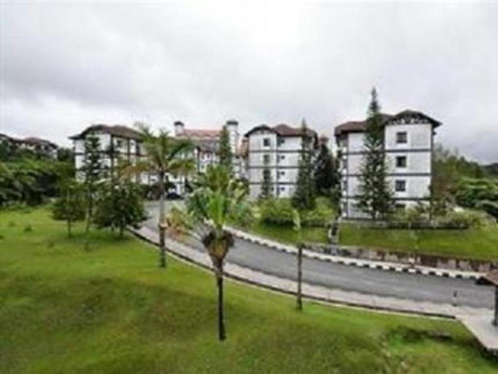 Exterior view Silverstar Apartment @ Greenhill Resort