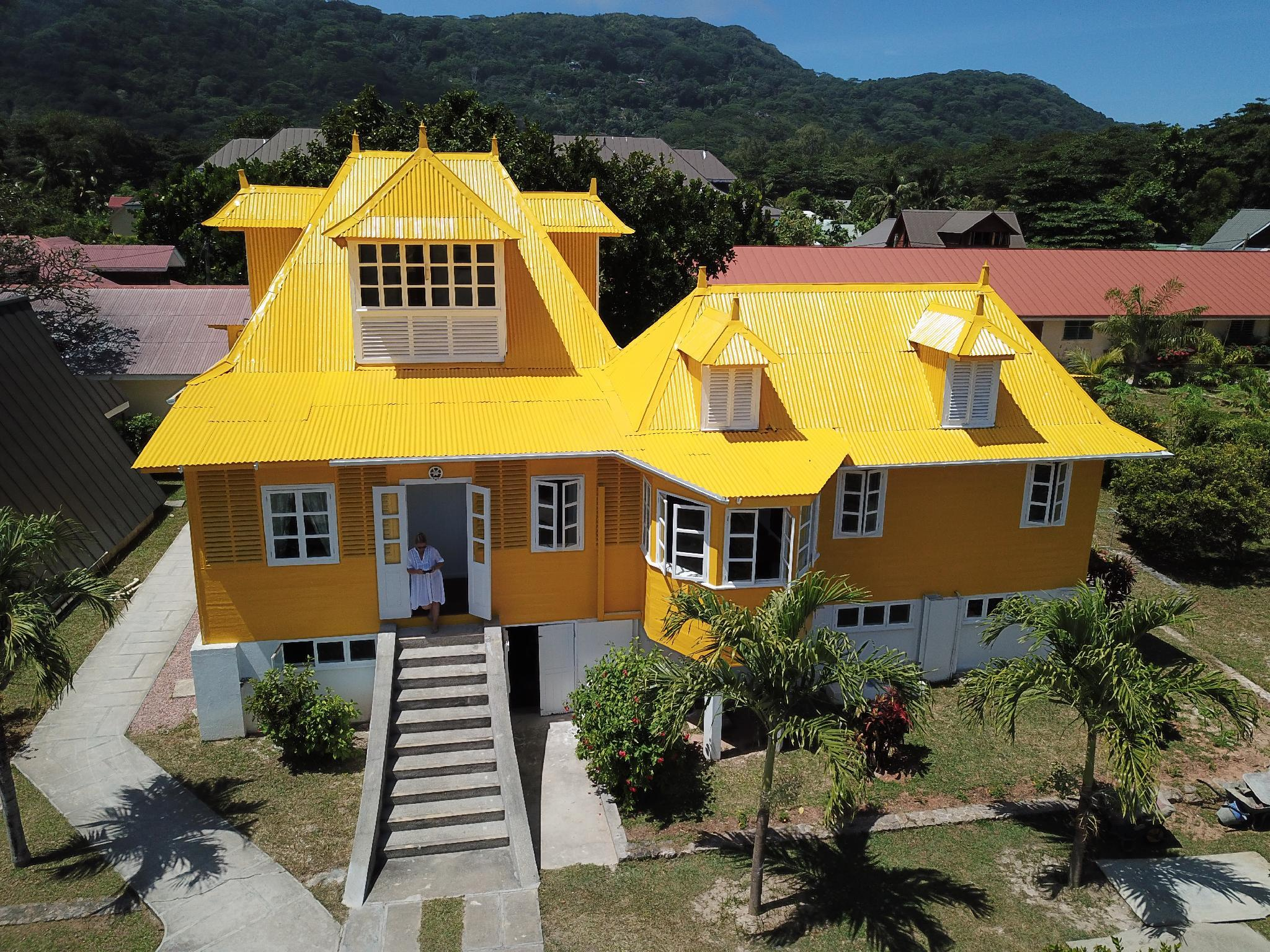 Gult hus (Yellow House)