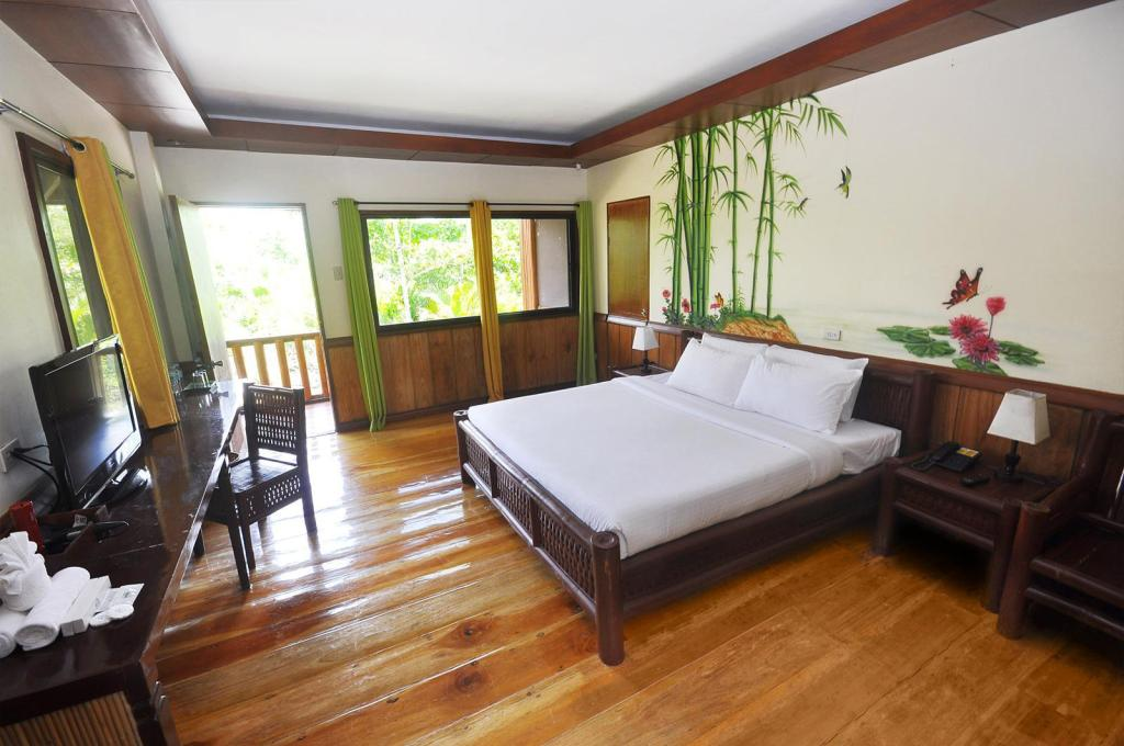 Forest View Room - Bed