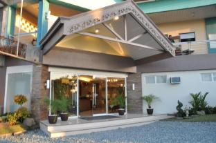 Magallanes Square Hotel