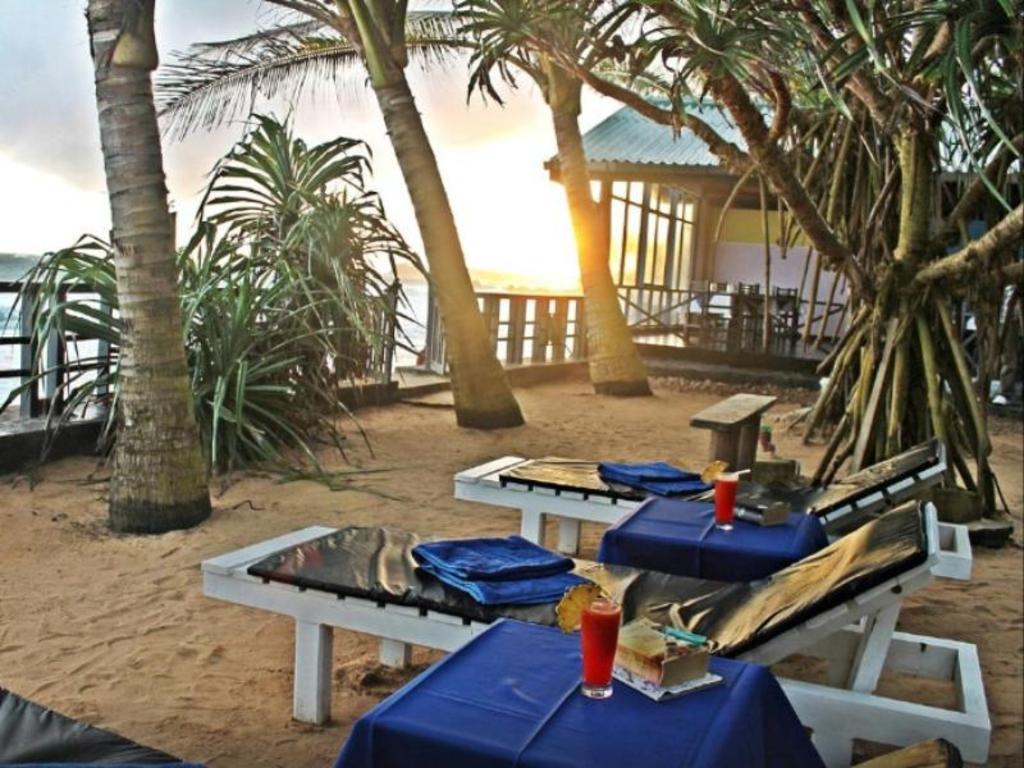 Villa Hotel Unawatuna