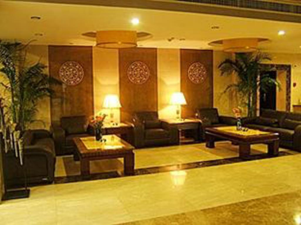 Best price on shiyan motor city hotel in shiyan reviews for Motor city hotel prices