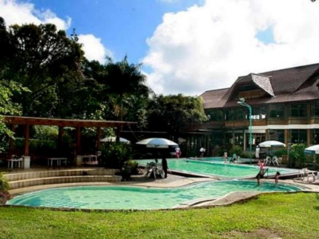 Swimmingpool Sari Ater Hotel & Resort