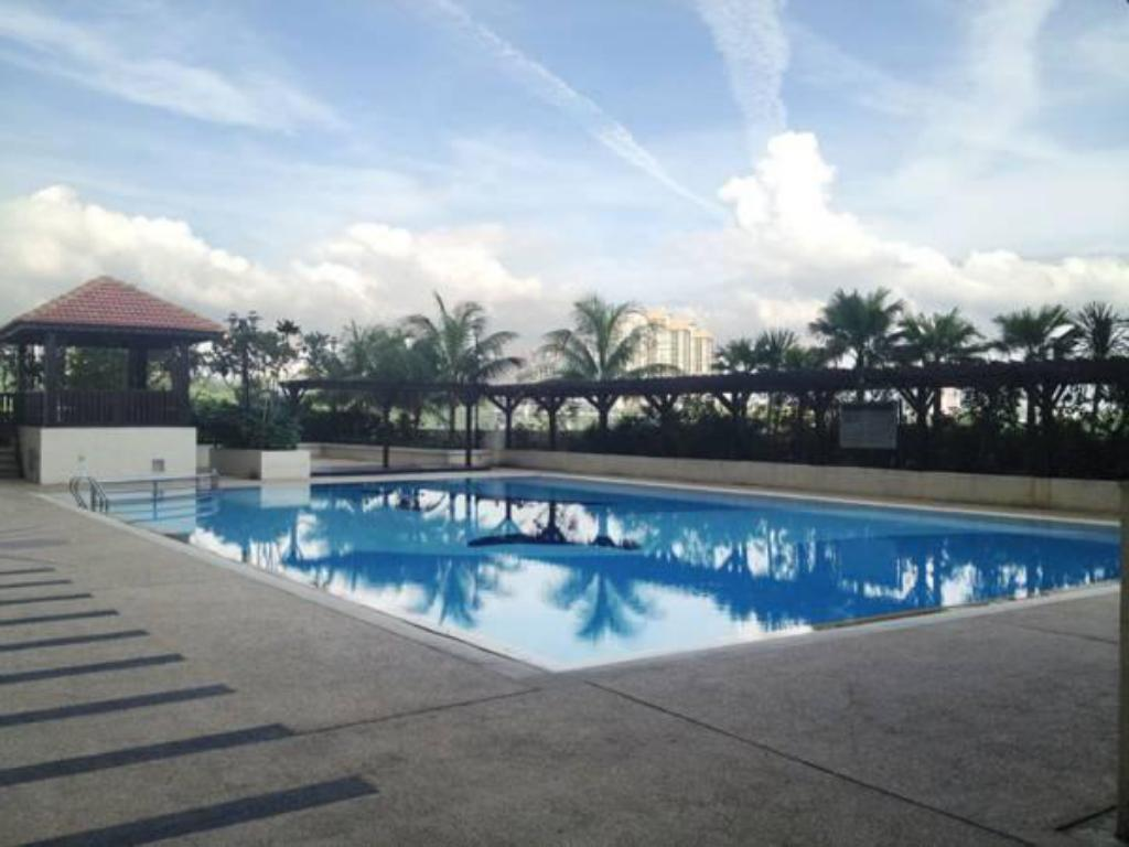 Swimming pool Duta Hotel & Residence