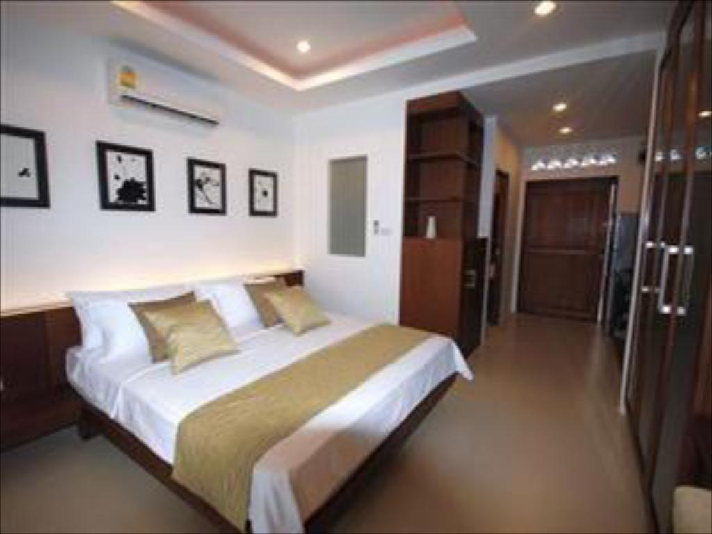 Deluxe Studio (Double Bed) Samui Emerald Resort