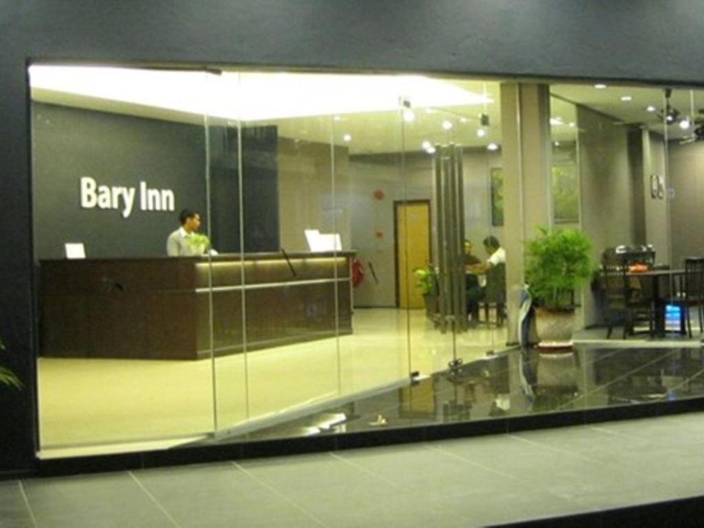 Entrance Bary Inn KLIA