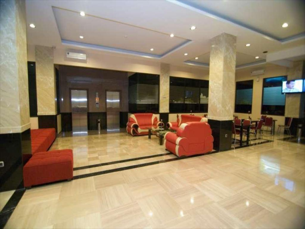 Best Price On Griyo Avi Hotel In Surabaya Reviews