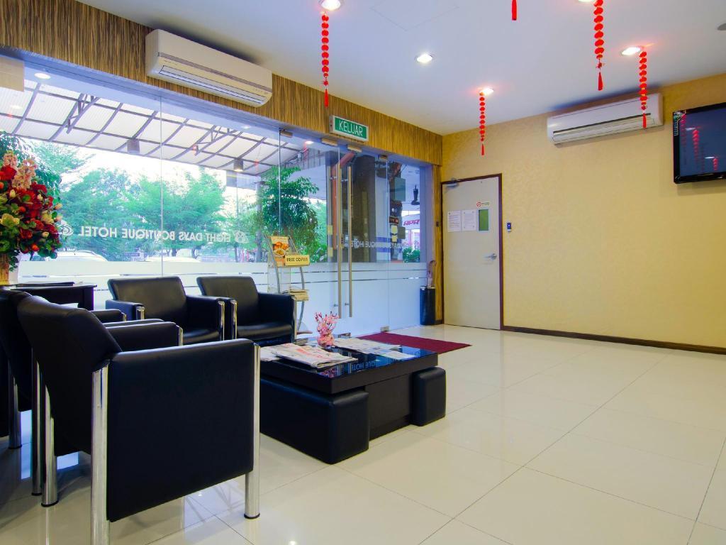Best Price On Eight Days Boutique Hotel Mount Austin In Johor